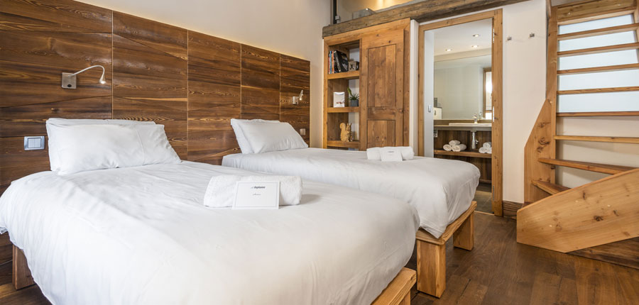 france_espace-killy-ski-area_val-disere_xtra-chalet-du-montet_bedroom2.jpg